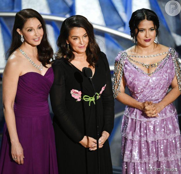 Ashley Judd, Salma Hayek e Annabella Sciorr subiram ao palco para momento dedicado ao Time's Up na 90ª cerimônia de entrega do Oscar neste domingo, 4 de março de 2017