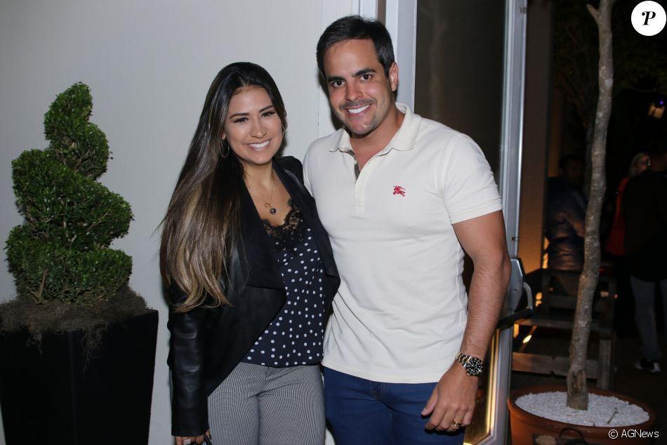 Simone se declara para o marido, Kaká Diniz ao comemorar 5 anos de casamento. 'Sublime'