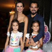Luciano Camargo reúne família em aniversário das filhas gêmeas. Veja fotos!