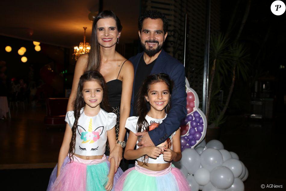 Luciano Camargo reúne família em aniversário das filhas gêmeas nesta quinta-feira, dia 08 de março de 2018