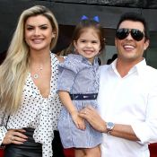 Estilosa! Filha de Mirella Santos e Ceará, Valentina usa look grifado em festa