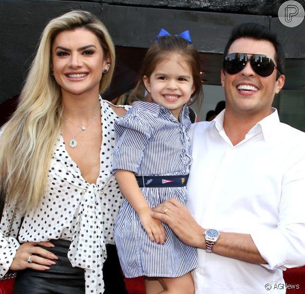 Valentina, filha de Mirella Santos e Ceará, prestigiou aniversário do sobrinho de Sabrina Sato nesta sexta-feira, 9 de março de 2018