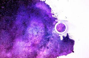 Vinho, roxo e lilás: ultra violeta é aposta da moda em 2018. Saiba por quê!