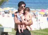 Bruno Gissoni passeia na praia com filha, Madalena, e sobrinha, Maria. Fotos!