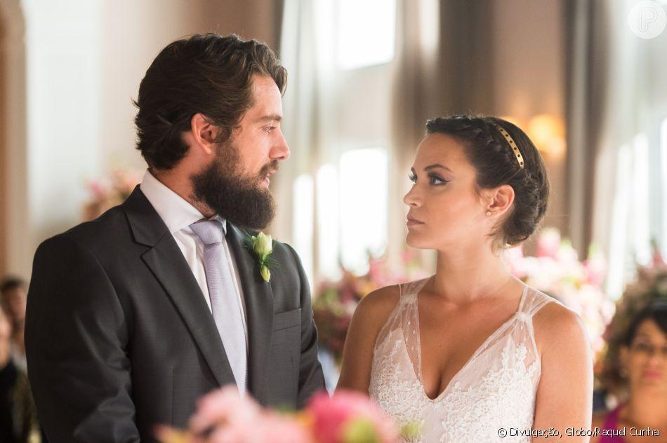 'O Outro Lado do Paraíso': Clara (Bianca Bin) usa look moderno em casamento com Renato (Rafael Cardoso) previsto para ir ao ar nesta quarta-feira, 14 de março de 2018