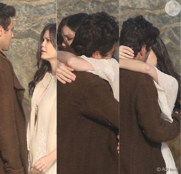 Maria Vitória (Vitória Strada) e Vicente (Bruno Ferrari) se reencontram no último capítulo da novela 'Tempo de Amar'. Veja fotos!