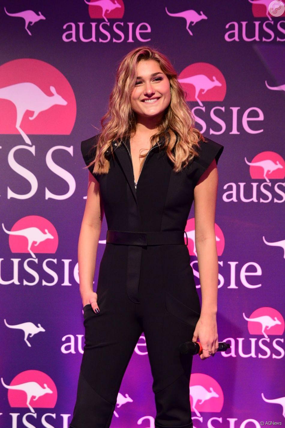Sasha Meneghel minimiza distância em namoro com Bruno Monteleone, ao participar de evento da Aussie nesta sexta-feira, dia 16 de março de 2018