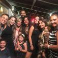 Gretchen reuniu toda a família para acompanhar pela web o casamento de Thammy Miranda e Andressa Ferreira