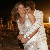 Sasha posa com o namorado, Bruno Montaleone, que explica músculos: 'Segurança'