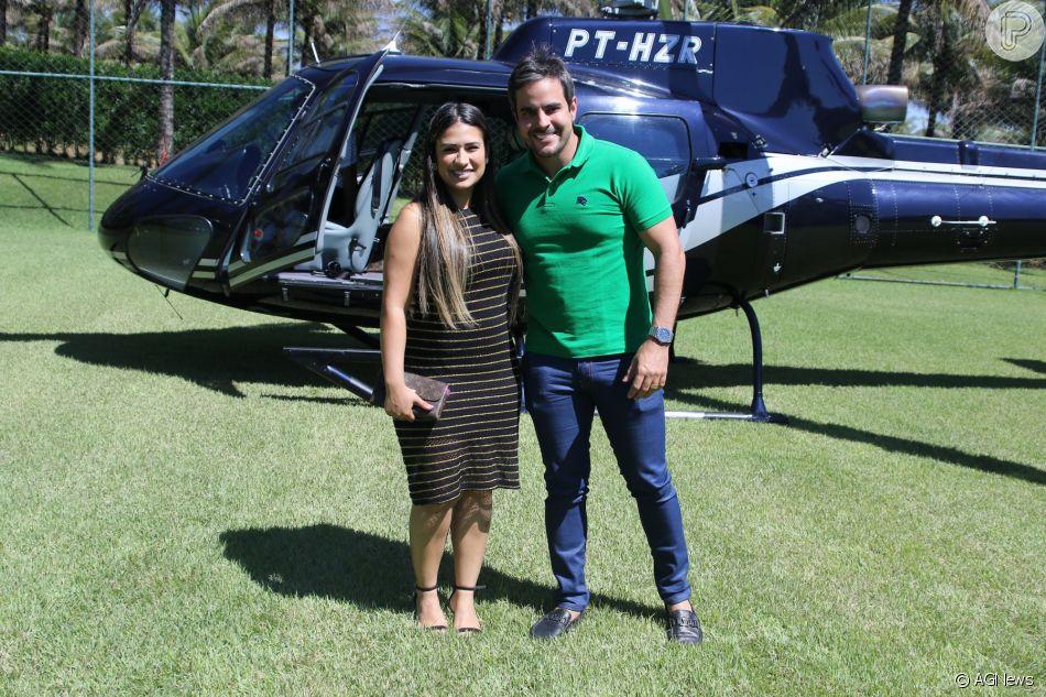 Simone, dupla de Simaria, ganhou de presente do marido, Kaká Diniz, um par de sapatos e uma bolsa da grife Gucci que custam cerca de R$ 16.275