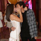 Mel Maia ganha beijo do namorado, Erick Andreas, em festa de promoter. Fotos!