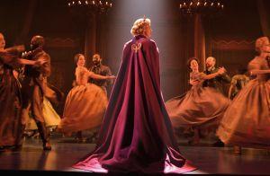 Elsa de calça! Disney inova em figurino de princesa na Broadway: 'Empoderador'
