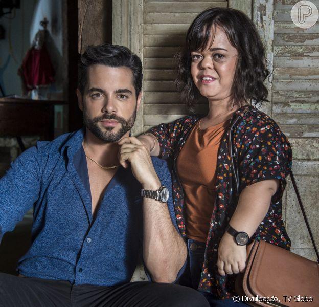 Estela (Juliana Caldas) confessa a Amaro (Pedro Carvalho) medo de fazer sexo na novela 'O Outro Lado do Paraíso', adianta o colunista de TV Daniel Castro, nesta quinta-feira, 22 de março de 2018