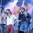 Zezé Di Camargo & Luciano cantam no palco do 'Altas Horas' com Munhoz & Mariano