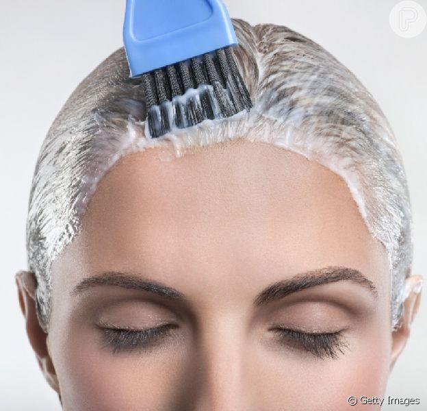 Quem tem queda de cabelo pode pintar os fios? Tintura causa queda de cabelo? Expert tira suas dúvidas!