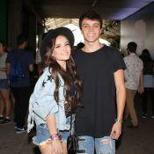 Larissa Manoela curte primeira edição do Lollapalooza com o namorado, Leo Cidade
