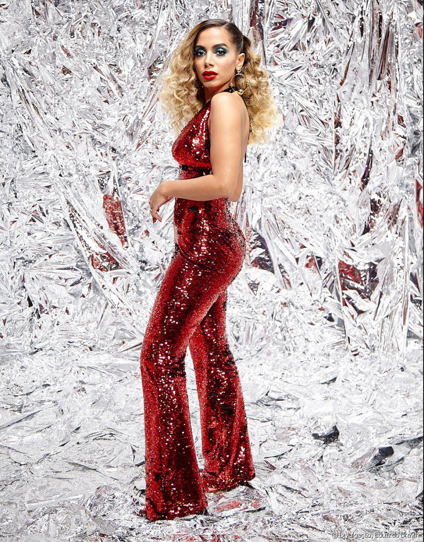 Anitta comemora lançamento de clipe ao vivo, 'Indecente': ' A ideia foi dar de presente para os fãs a oportunidade de acompanharem o clipe em tempo real, direto da minha festa de aniversário!'