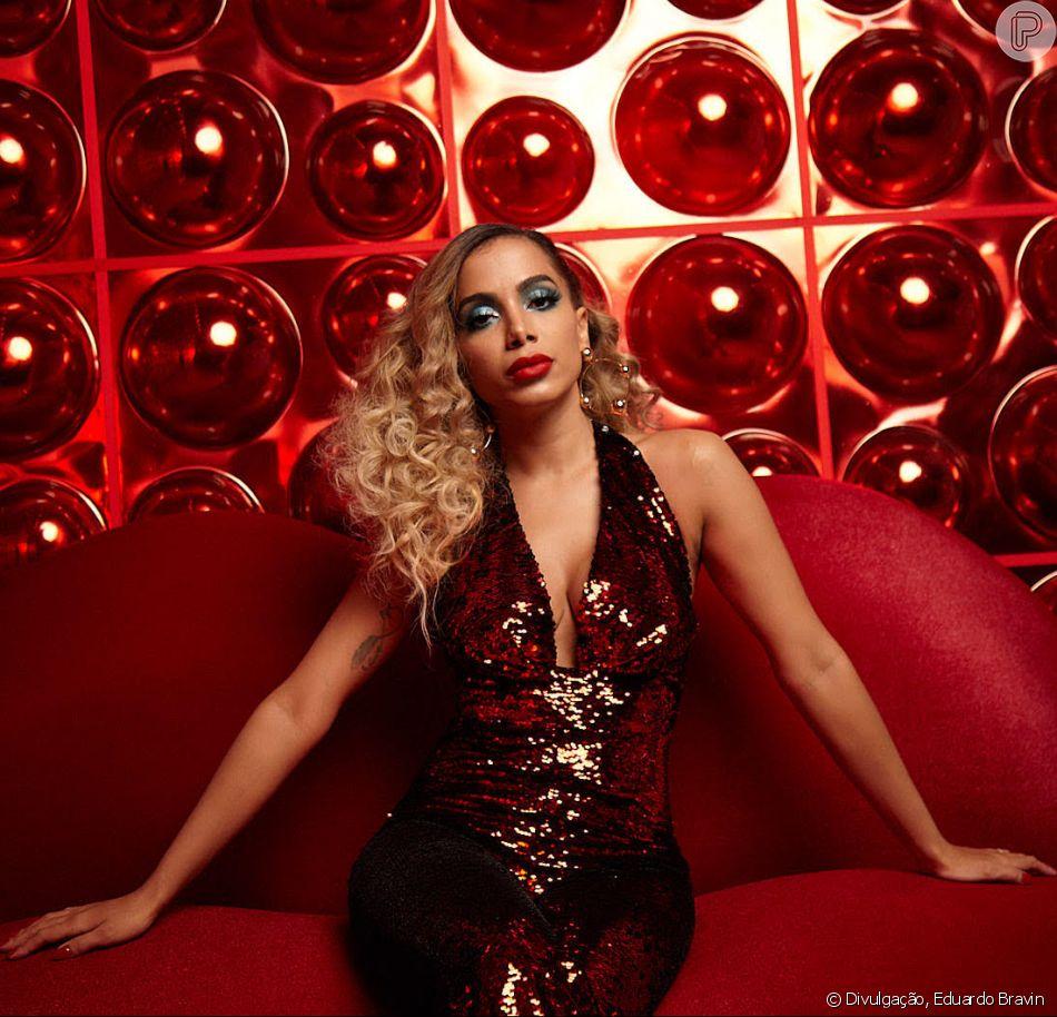 Anitta aposta em look e make disco glam no clipe 'Indecente': 'Brilho e glamour'