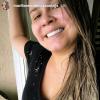 Marília Mendonça, sem make e com cabelo natural, não é reconhecida: 'Cara limpa'