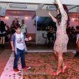 Yudhi, dançou com a mãe, Mileide Mihaile, em festa no Rio de Janeiro