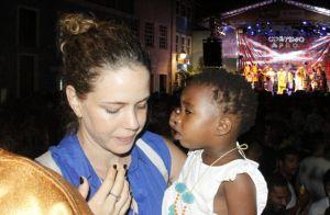 Leandra Leal festeja dois anos de adoção da filha: 'A gente se encontrou'. Foto!