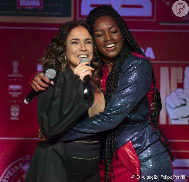 Daniela Mercury e Iza fizeram um pocket show para cantar a música 'Hino Número 1', a convite da Brahma, neste domingo, 06 de maio de 2018