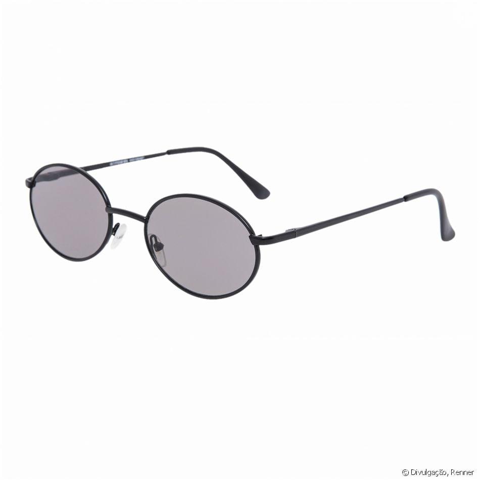 cf2d3a6a7 O mini-óculos preto da Renner está à venda por R$ 79,90 - Purepeople