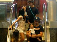 Bruno Gissoni e Felipe Simas passeiam com filhas, Madalena e Maria, no RJ. Fotos
