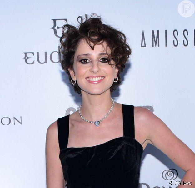 Carol Duarte fez um apelo contra o preconceito durante o prêmio Geração Glamour: 'Não matem o que é diferente'