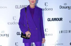Thaila Ayala se diverte com look all violet em premiação: 'Tinky Winky'. Fotos!