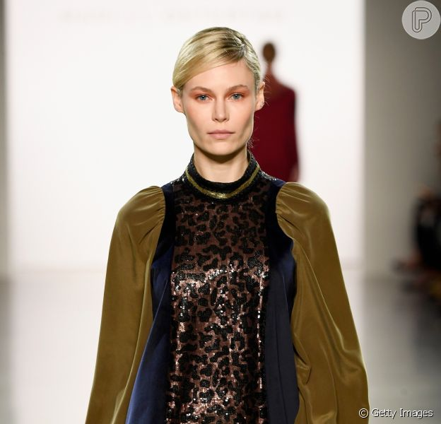 Com transparência, as passarelas da Semana de Moda de Nova York bombaram com a tendência de Animal Print