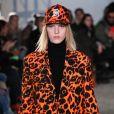 A cor laranja foi aposta da R13 durante a Semana de Moda de Nova York 2018
