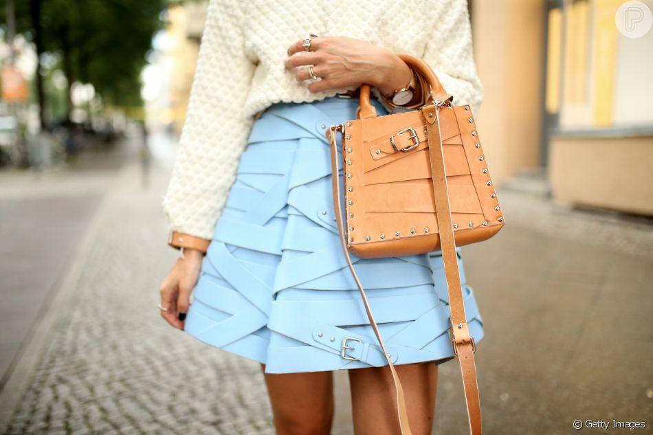 As saias em linha A são conhecidas por favorecer todo os tipos de corpos e a stylist Dany Couta conta como usar a peça sem errar