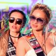 Penteados descolados com coques e tranças marcaram o Coachella  Valley Music and Arts Festival , realizado em Indio, na Califórnia, Estados Unidos, neste primeiro fim de semana, 13, 14 e 15 de abril de 2018