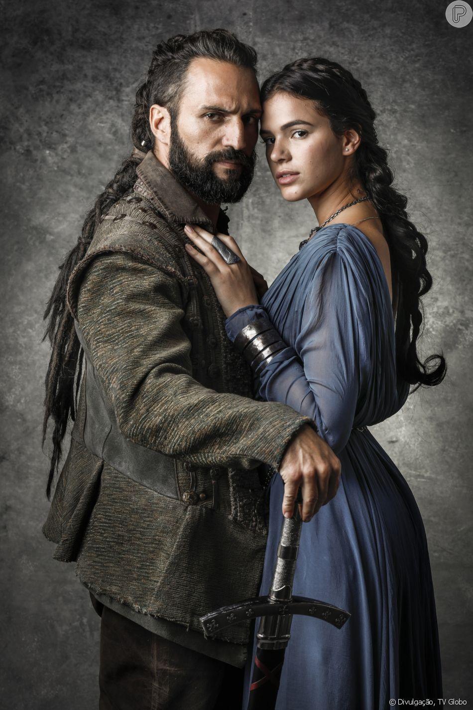 José Fidalgo e Bruna Marquezine na novela 'Deus Salve o Rei'