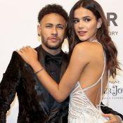Bruna Marquezine conta como ganhou aliança de Neymar: 'Taça de champanhe'