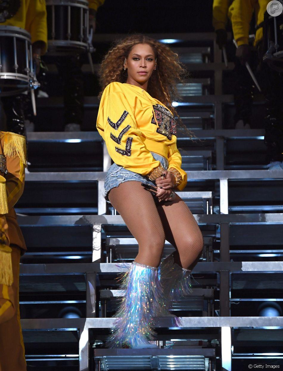 Beyoncé vai doar R$ 340 mil em bolsas de universidades para alunos negros, como informou em comunicado nesta segundafeira, dia 16 de abril de 2018