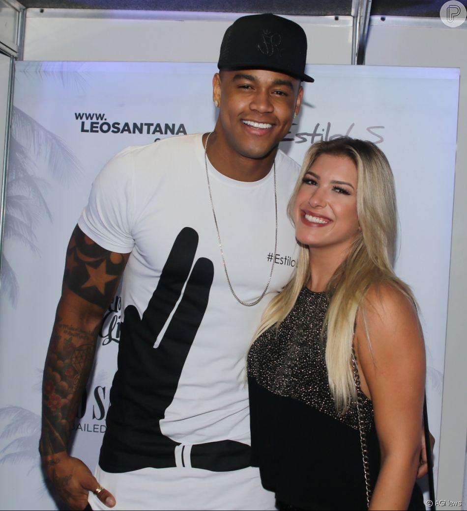 Léo Santana confirmou a volta do namoro com Lorena Improta nesta terça-feira, 17 de abril de 2018