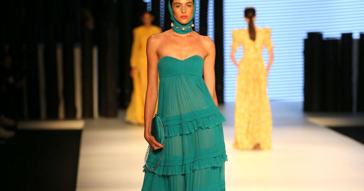 947806bbc0cce Fátima Scofield trouxe roupas com inspiração em lingeries e pijamas de seda  pura, modelos esvoaçantes - Purepeople