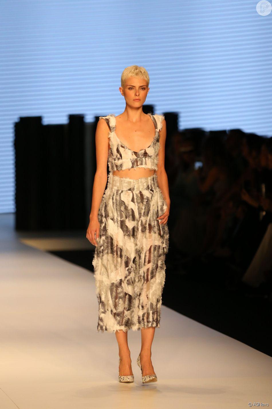 e8e821cf2f072 Lucas Magalhães criou uma coleção colaborativa em parceria com outras  marcas, como os calçados Luchetto