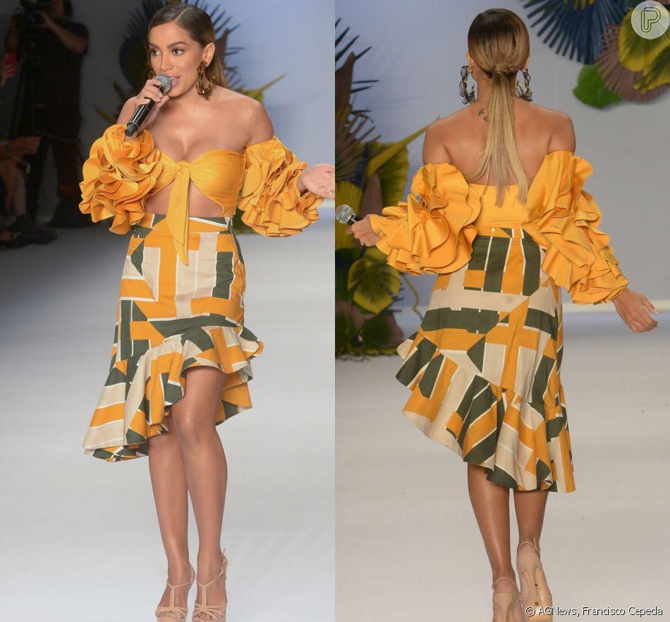 Anitta fez show no desfile da Água de Coco, na abertura da São Paulo Fashion Week, neste sábado, 21 de abril de 2018