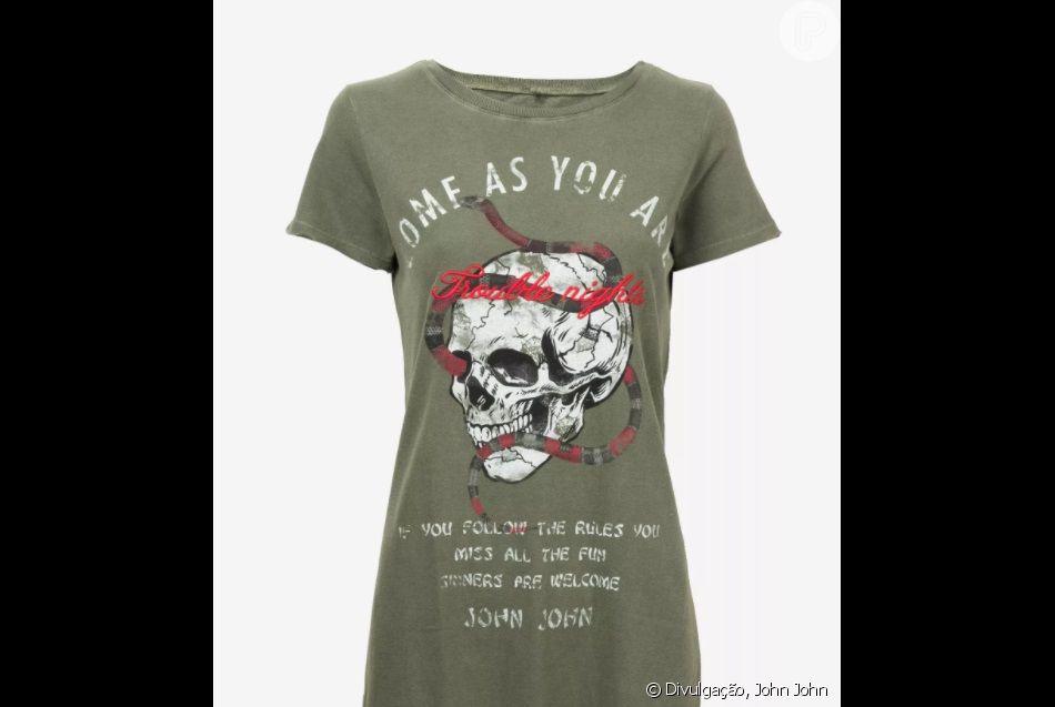 590a26ef3 Thaila Ayala escolha camisa com estampa de caveira para o Coachella ...