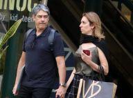 William Bonner passeia por shopping com a namorada, Natasha Dantas, no Rio
