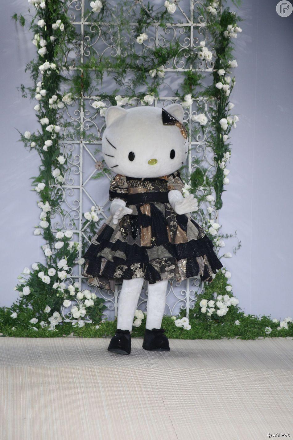 Hello Kitty na SPFW! Personagem desfila e inspira coleção de Samuel Cirnansck nesta segunda-feira, dia 23 de abril de 2018