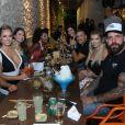 Jaqueline comemorou 1 milhão de seguidores do Instagram com festa que reuniu os ex-BBBs Kaysar, Jéssica, Caruso e Nayara