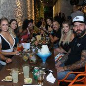 Kaysar se reúne com ex-BBBs para comemorar 1 milhão de seguidores de Jaqueline