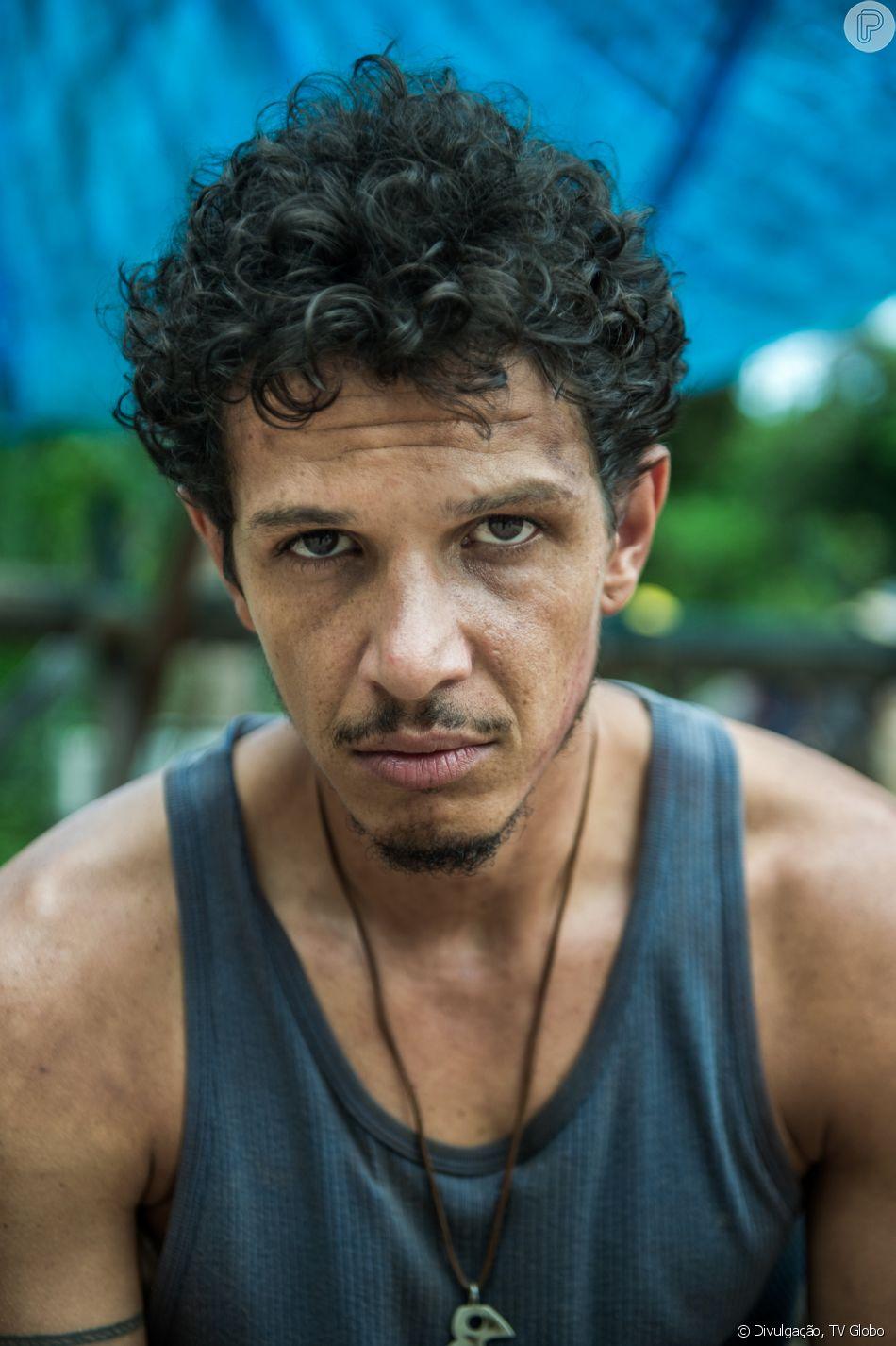Zé Victor (Rafael Losso) leva surra de mulheres ao tentar matar Caetana (Laura Cardoso) e acaba preso durante o julgamento de Sophia (Marieta Severo) na última semana da novela 'O Outro Lado do Paraíso'