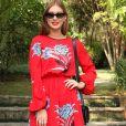 Marina Ruy Barbosa apostou em um vestido vermelho  Diane Von Furstenberg, de  R$3.650, para o lançamento da nova coleção da Mr. Cat