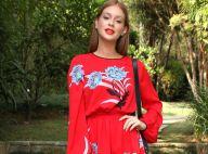 Marina Ruy Barbosa contrasta vestido vermelho com bota branca em evento. Fotos!