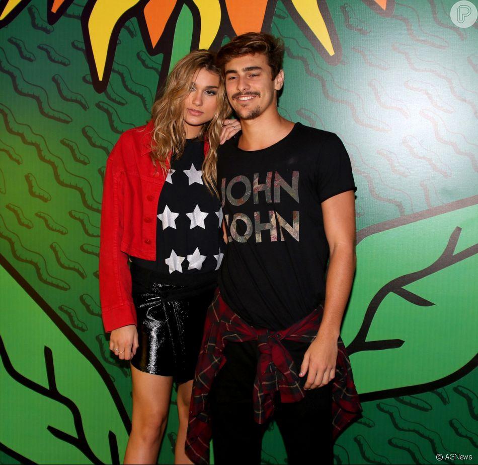 Bruno Montaleone lamenta saudade de Sasha Meneghel, sua namorada, em entrevista publicada no 'Gshow' nesta quinta-feira, dia 26 de março de 018